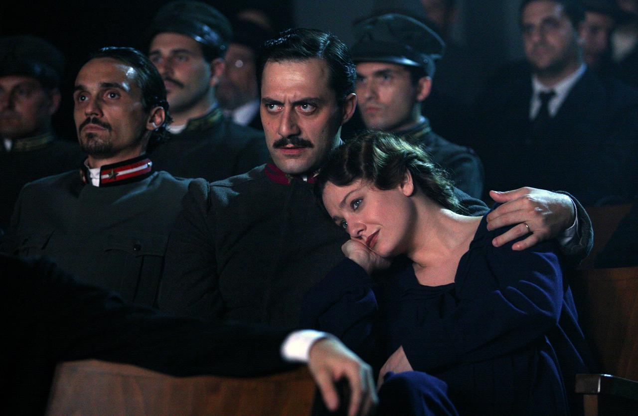 Giovanna Mezzogiorno and Filippo Timi in <em>Vincere</em>